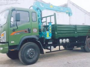 Xe cẩu Dongfeng 2 cầu gắn cẩu 5 tấn 3 đốt HKTC Hàn Quốc