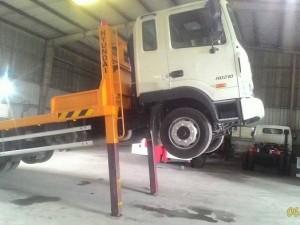 Xe nâng đầu chở máy công trình Hd210 3 chân 1 co nhập khẩu 2016 2017