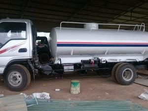 Xe phun tưới nước rửa đường Jac 7 khối
