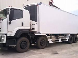 Xe tải Isuzu 4 chân thùng đông lạnh tải trọng 18 tấn động cơ isuzu ơ rô 4